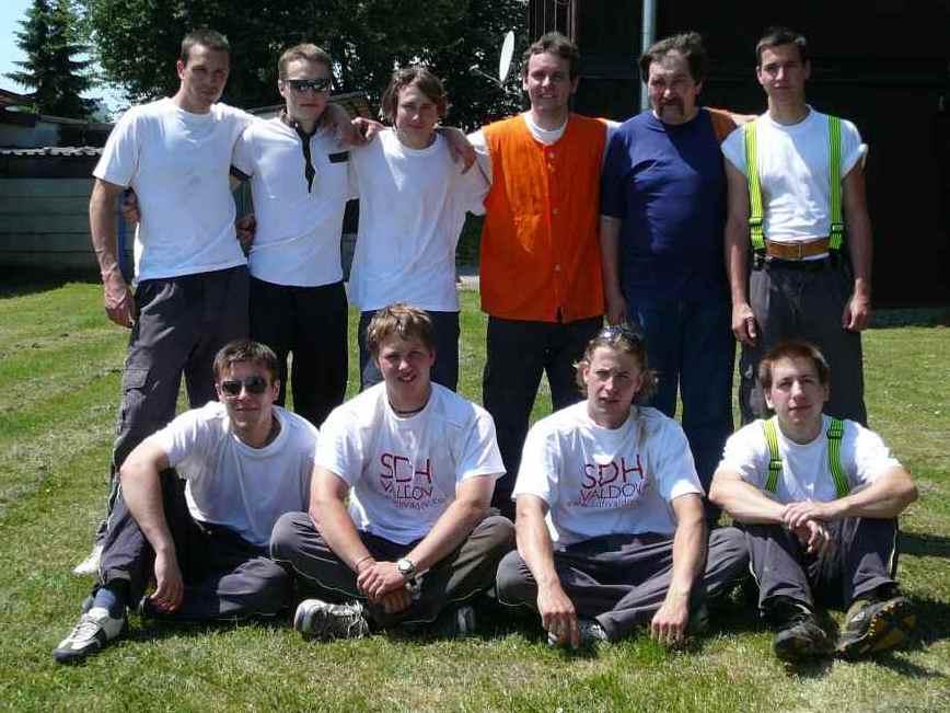 Fotografie týmu při účasti na okresní soutěži v Jičíně